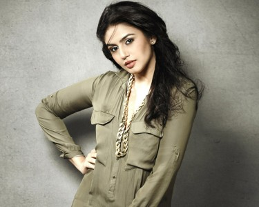 huma-qureshi-16038-16526-hd-wallpapers